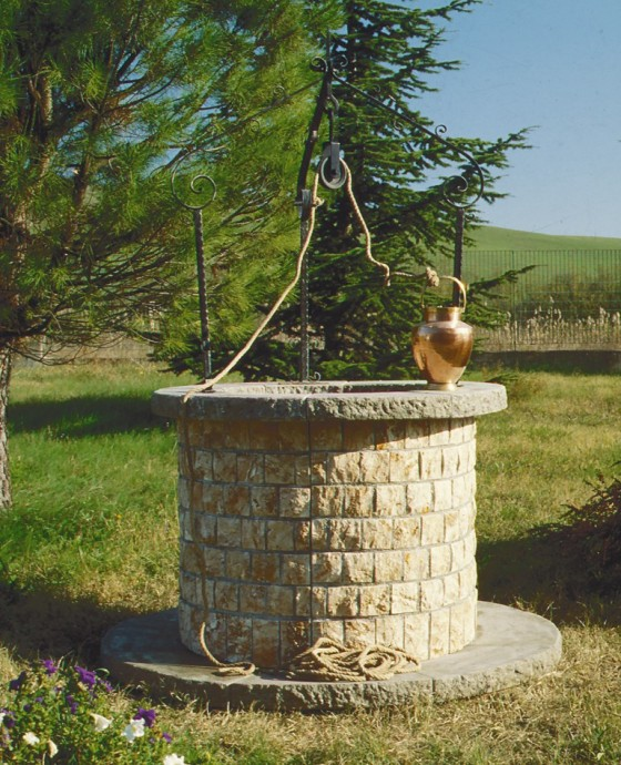 Realizzazione pozzi pozzo 881 toscana marmi for Pozzi finti per giardino