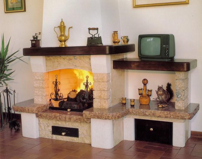 La magia dei caminetti tradizionali a legna - Un Architetto In Cucina