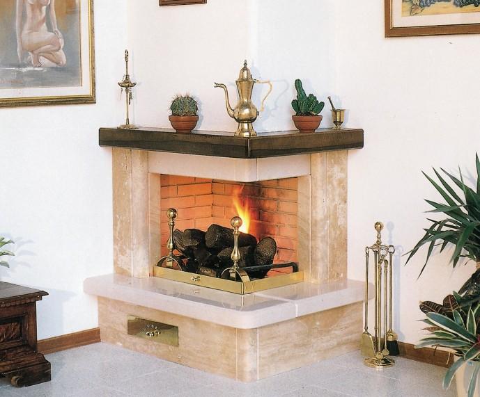 Costruzione caminetti caminetto classico 535 toscana marmi for Caminetto ad angolo contemporaneo