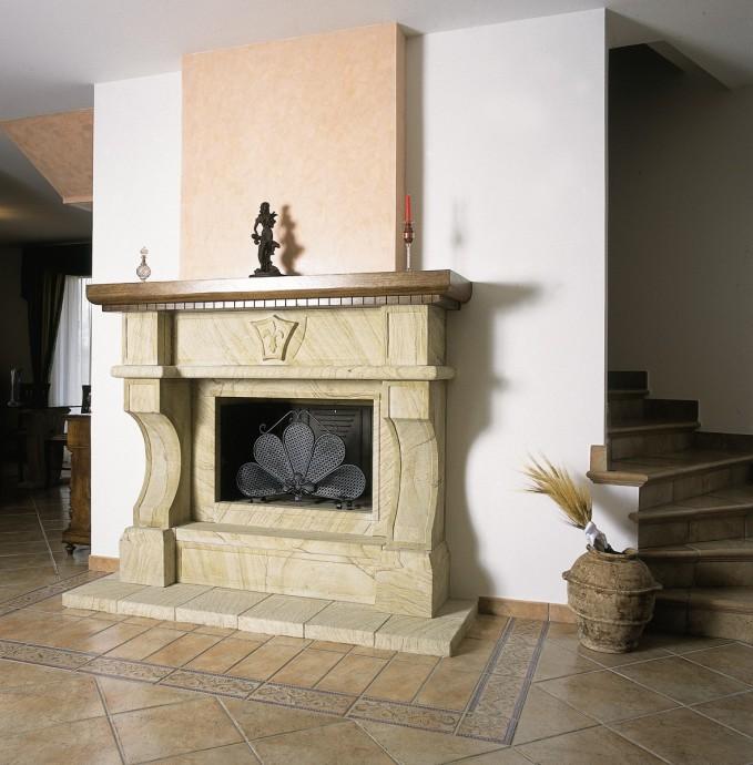 Caminetto classico  Caminetto classico 593  Toscana Marmi