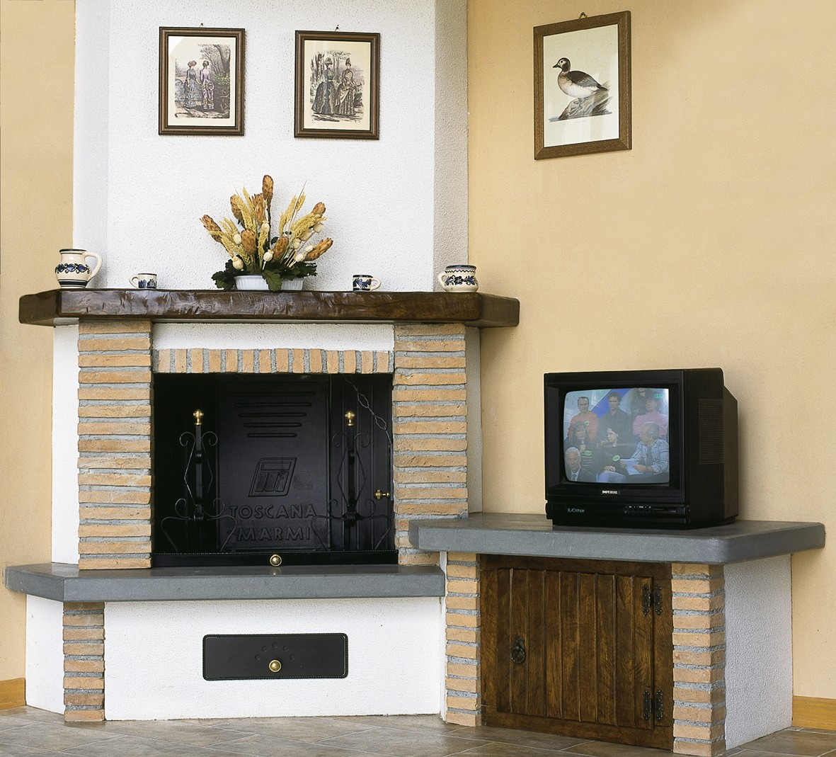 Caminetto forno caminetto rustico 597 toscana marmi for Piano anteriore del camino