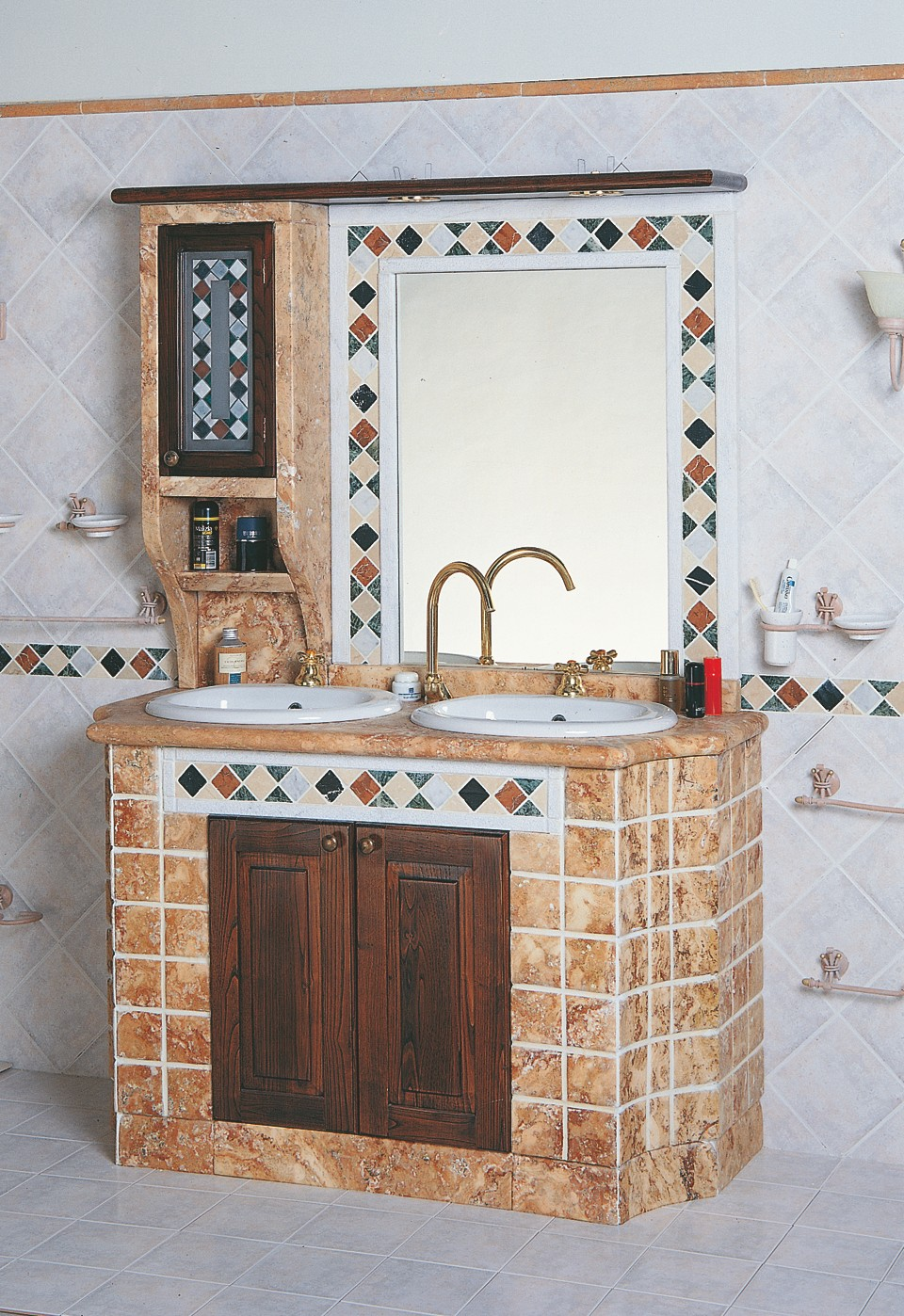 Bagni In Muratura Classici.Mobili Da Bagno In Muratura Con Rivestimento In Ciottoli